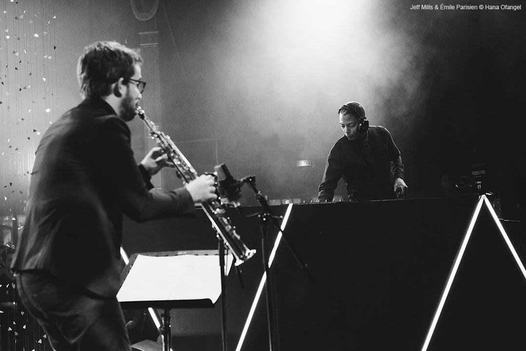 Jeff Mills & Émile Parisien © Hana Ofangel